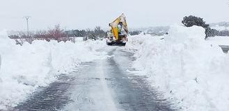 En total se han visto afectados en Guadalajara este sábado 1.447 kilómetros de carreteras por la nieve y el hielo de Filomena