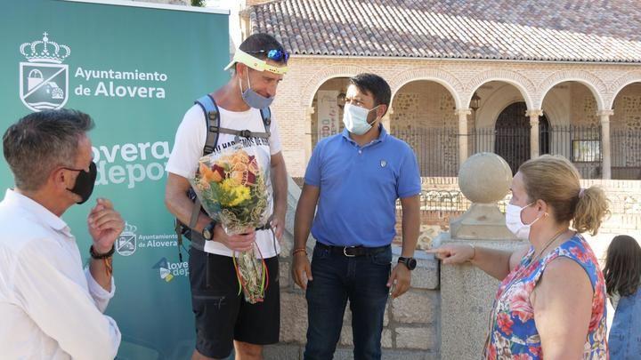 Raúl Gil llega a Alovera tras superar los 360 kilómetros solidarios en seis días