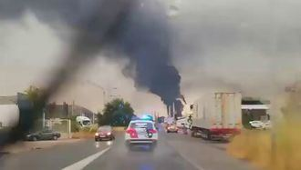 ÚLTIMA HORA : Un rayo cae en un depósito de combustible en la planta de Repsol en Puertollano y provoca un espectacular incendio