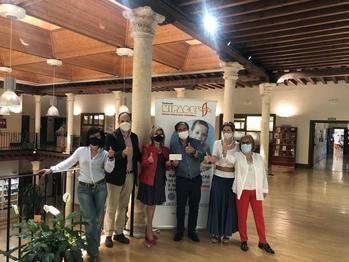 El mercadillo de libros solidarios de la Asociación de Amigos de la Biblioteca recauda 3.071€ en beneficio de NIPACE