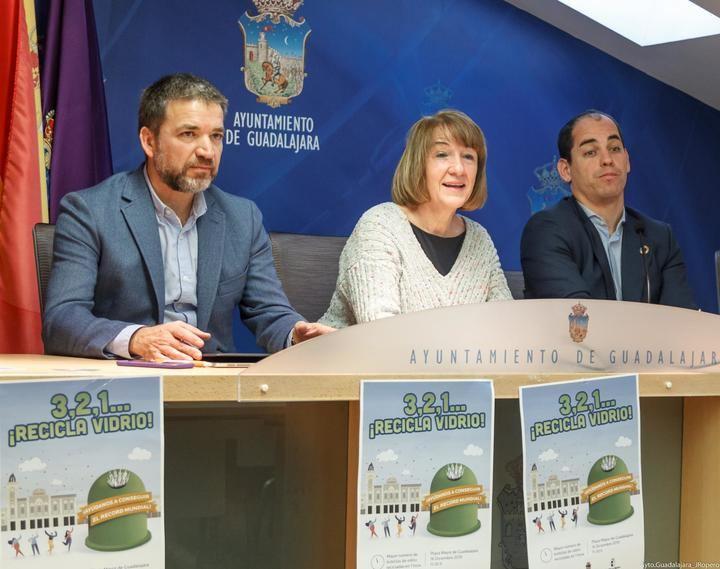 El ayuntamiento de Guadalajara anima a lograr un récord mundial el próximo lunes siendo la ciudad del mundo que más botellas de vidrio recicle... en una hora