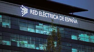 Amancio Ortega pasa a ser el segundo máximo accionista de Red Eléctrica al comprar el 5% de la compañía por 455 millones de euros