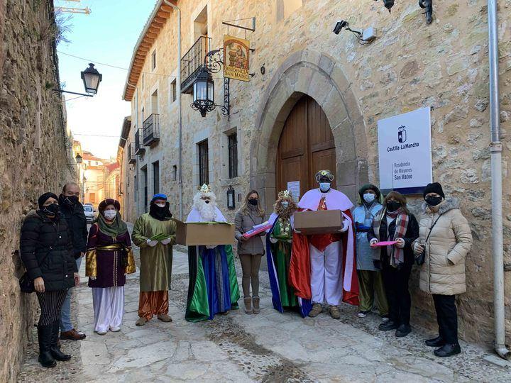Los Reyes Magos no han faltado a su cita con Sigüenza, por primera vez acompañados por la Banda de Música