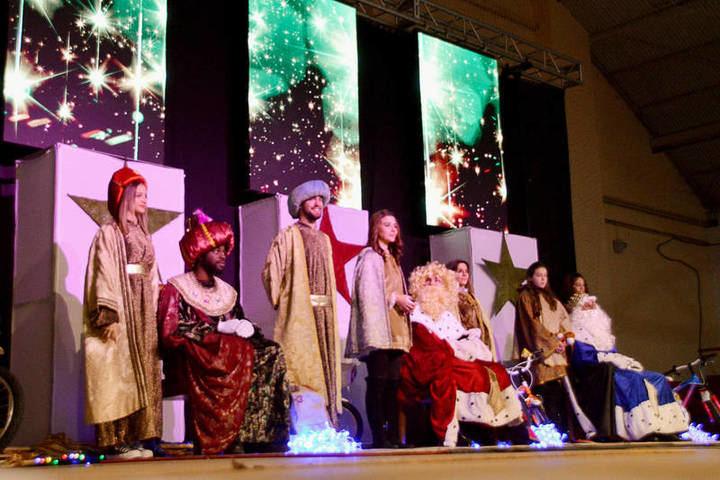 Los Reyes Magos visitan Azuqueca este martes con itinerarios por barrios