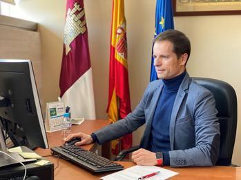 El Gobierno regional y la Universidad de Alcalá celebran una jornada sobre la EVAU con profesores y orientadores en el campus de Guadalajara
