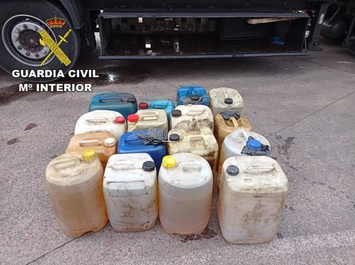 La Guardia Civil de Ciudad Real detiene a dos personas por el robo de 1900 litros de gasoil en tres camiones junto a la N-420