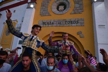 Roca Rey y Javier Cortés cierran la feria de El Espinar por todo lo alto