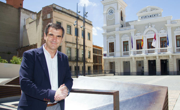 Antonio Román sale del hospital de Guadalajara tras ser ingresado por coronavirus