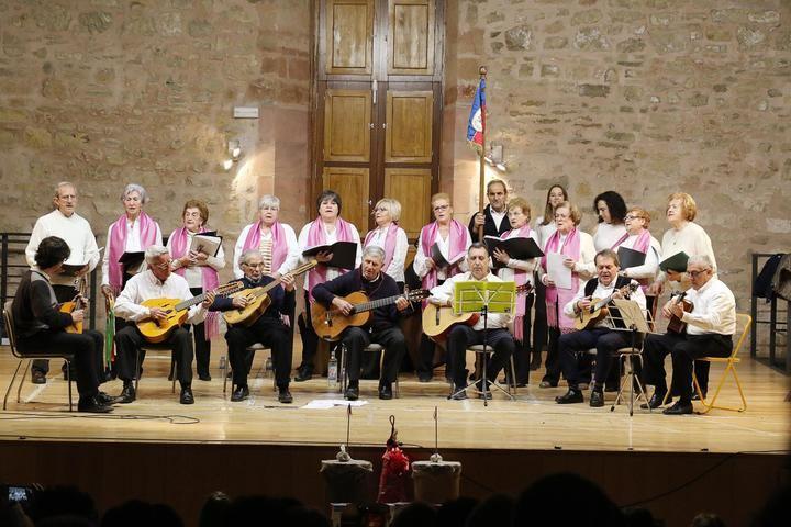 El emotivo concierto anual de la Rondalla en El Pósito de Sigüenza
