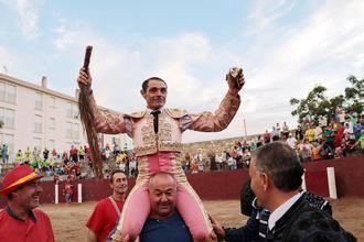 El torero Sánchez Vara, ingresado en la UCI por el encharcamiento de un pulmón
