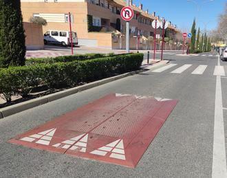 Denuncian al ayuntamiento de Guadalajara por la colocación de obstáculos en la calzada de alto riesgo para motociclistas y ciclistas