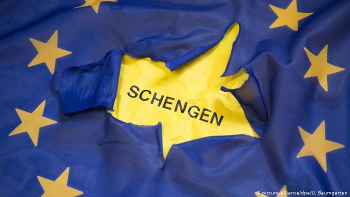 El Gobierno de Sánchez e Iglesias adelanta al 21 de junio la apertura de las fronteras para los visitantes de la UE, salvo para Portugal