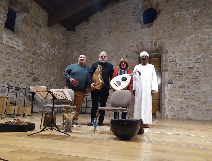 """El excepcional concierto """"El viaje de Zyriab"""" y """"La Cantiga de Sigüenza"""" inauguró la V Semana de la Música de Sigüenza"""
