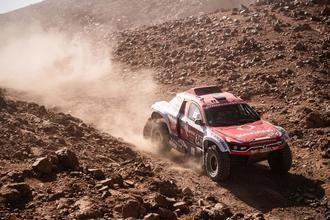 SsangYong se sobrepone a las dificultades y escala 5 posiciones en la general del Dakar
