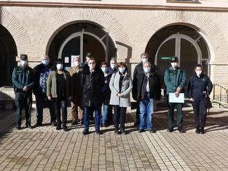La subdelegada del Gobierno visita el cuartel de Cifuentes y mantiene un encuentro con alcaldes de la demarcación