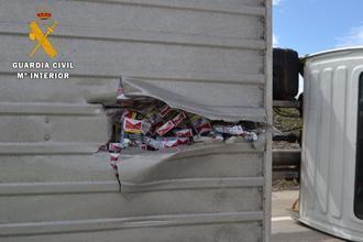 La Guardia Civil incauta 13.196 cartones de tabaco y detiene a un hombre por contrabando