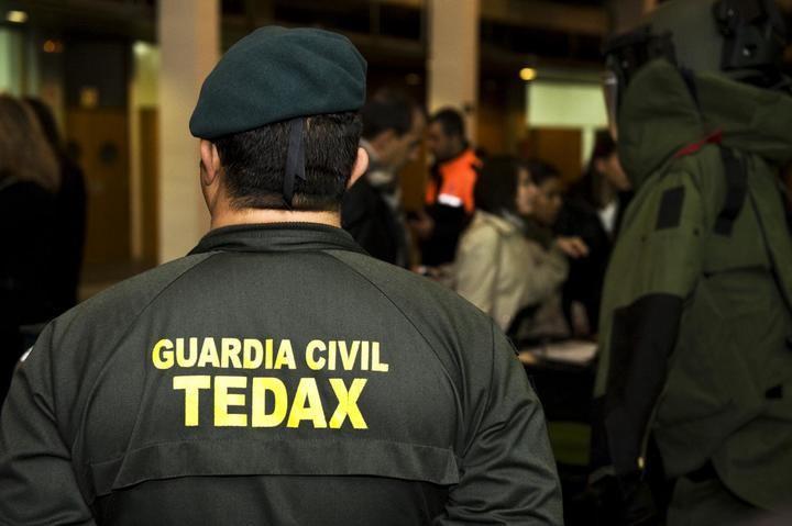 La Guardia Civil desactiva un proyectil de la Guerra Civil hallado en El Viso de San Juan