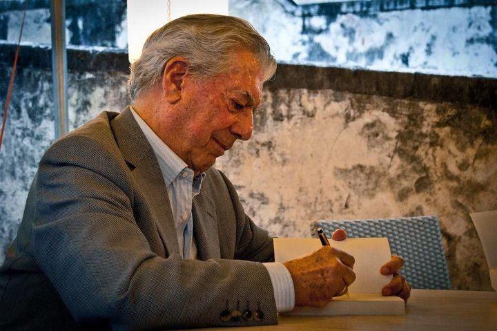 Vargas Llosa, Premio Umbral a la mejor novela de 2019