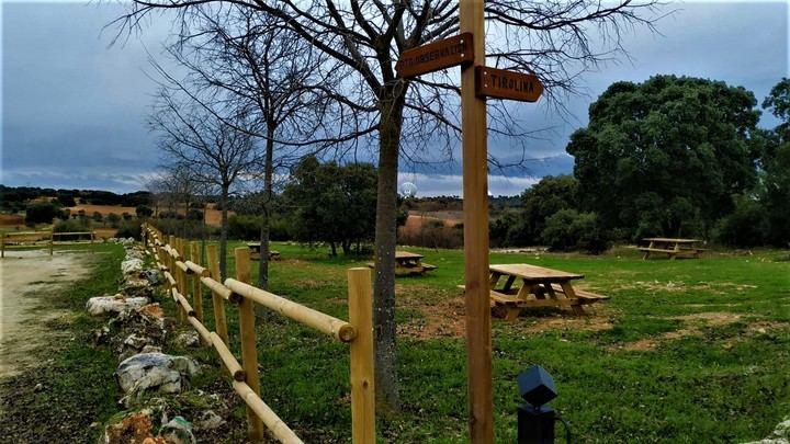 La adecuación del Parque de la Tirolina de Yebes transforma esta zona verde en un espacio de ocio y esparcimiento