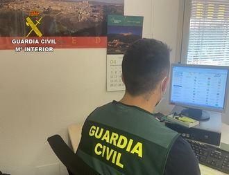La Guardia Civil de Toledo intercepta un vehículo en la autovía A-5 que circuló en sentido contrario durante más de cinco kilómetros y se estrelló contra un camión