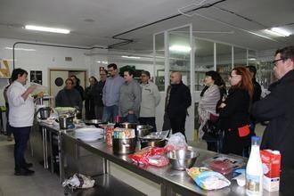 Medio centenar de cocineros profesionales participan en los cursos