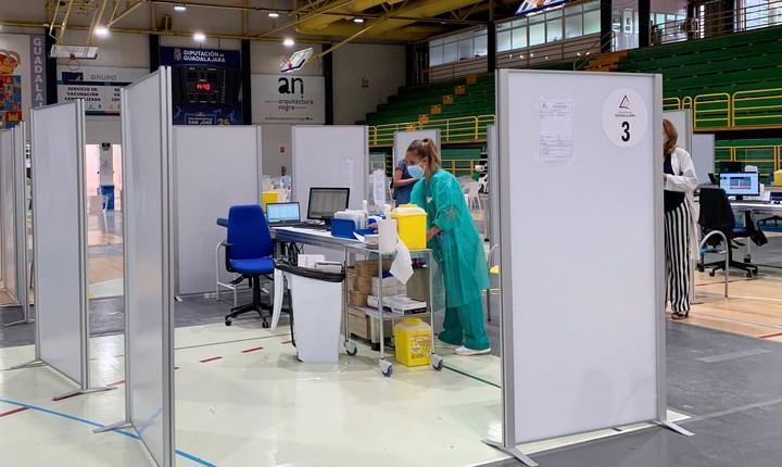 VACUNAS CORONAVIRUS : Se está finalizando la vacunación del grupo 10, el de personas de entre 49 y 40 años en Guadalajara