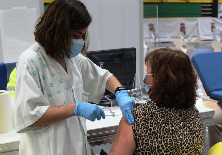Avanza la vacunación contra el Covid-19 en Guadalajara, que se centra en este momento en personas con condiciones de muy alto riesgo y en población de 79 a 70 años