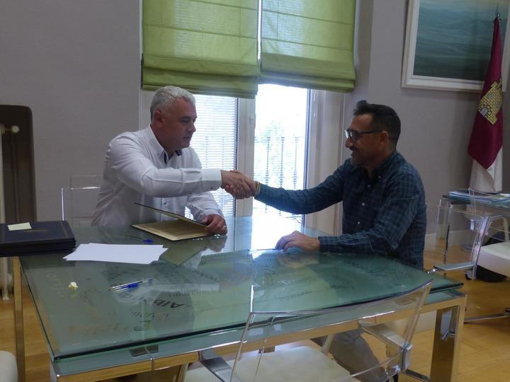 José Luis Vega firma seis convenios con clubes para fomentar el deporte en la provincia de Guadalajara