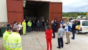 El presidente de la Diputación de Guadalajara visita el Centro Comarcal de Cifuentes para agradecer la labor de los trabajadores y trabajadoras en el estado de alarma