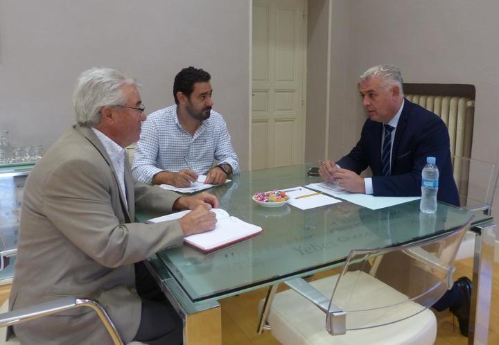 La Diputación y COAG estudian nuevas líneas de apoyo a los agricultores y ganaderos de la provincia de Guadalajara