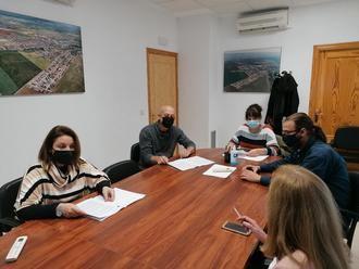 El Ayuntamiento de Villanueva de la Torre suscribe con las AMPAS de la localidad un nuevo convenio de colaboración