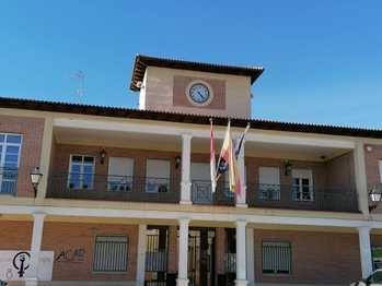 El Pleno de Villanueva de la Torre da luz verde al inicio del procedimiento para la contratación de los servicios de limpieza de edificios municipales y limpieza viaria