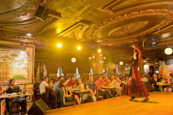 Cierra DEFINITIVAMENTE por el Coronavirus el tablao flamenco más antiguo de Madrid, Villa Rosa