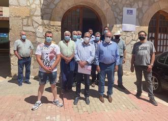 Reuniones en Villel de Mesa con los agricultores y propietarios de fincas agrícolas y forestales para informar de los beneficios de la concentración parcelaria
