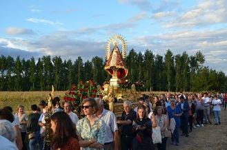 La Virgen de La Granja vuelve a su ermita acompañada por los fieles de Yunquera de Henares