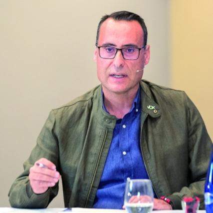 """Vox denuncia que """"Rojo y Ciudadanos llegan tarde en el reparto de mascarillas a los vecinos de Guadalajara y en la realización de test fiables para los trabajadores municipales"""""""