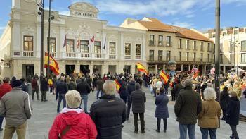 VOX Guadalajara celebra un emotivo y un concurrido acto en defensa de la Constitución