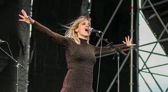 Las nuevas melodías de Eva Ryjlen y el lenguaje corporal de AntártiCa en el segundo capitulo de 'Un Verano Excepcional'