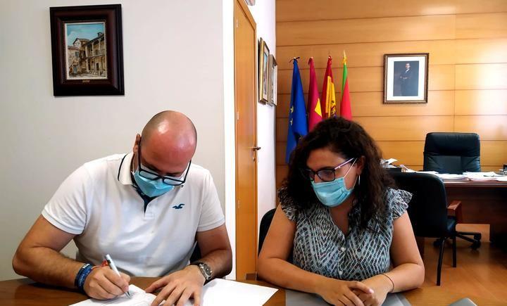 El Ayuntamiento de Yunquera de Henares firma un convenio de colaboración con el Centro de la Mujer de Alovera
