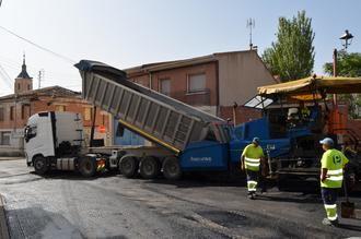 La Operación Asfalto de Yunquera de Henares lleva ya más de 8.000 metros cuadrados de calles renovadas