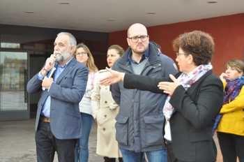 La comunidad educativa de Yunquera de Henares plantea al delegado de Educación de la Junta las necesidades de los centros educativos de la localidad