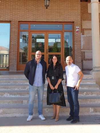 Se ofrece 100 puestos de trabajo, RAZÓN : Ayuntamiento de Yunquera de Henares
