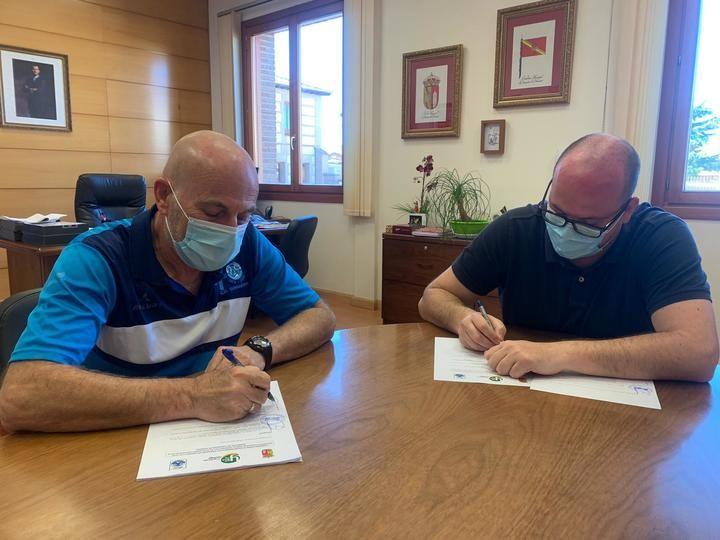 El Ayuntamiento de Yunquera de Henares inicia la ronda de firmas de convenios de apoyo al deporte de la localidad