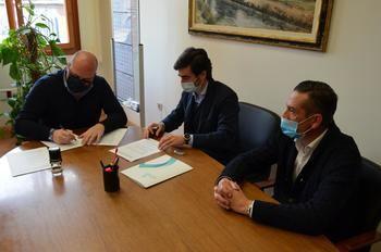 Yunquera de Henares firma con Grupo IGNIS e ib Vogt un acuerdo de colaboración para la instalación de una planta fotovoltaica con una inversión de 105 millones de euros