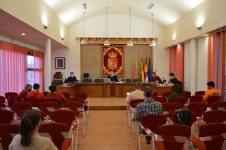 El Ayuntamiento de Yunquera de Henares aprueba llegar a los 65.000 euros de inversión en el asfaltado y acondicionamiento de calles
