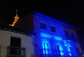 Yunquera de Henares conmemora el Día Mundial de Concienciación sobre el Autismo iluminando de azul el Edificio Municipal de Usos Múltiples