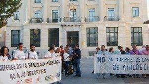 Doscientas personas se concentran en la plaza del Jardinillo en Defensa de la Sanidad Pública