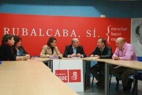 El PSOE reducirá las cotizaciones de los contratos indefinidos