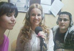 Estefanía Nussio, presentadora de TV Guadalajara, visita la emisora de Onda Radio Yunquera