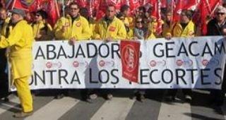 """Trabajadores de Guadalajara de Geacam se manfiestan en Toledo para protestar """"contra los 800 despidos de Cospedal"""""""